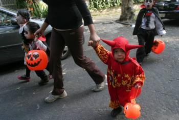 En Neza los niños no podrán pedir 'calaverita'