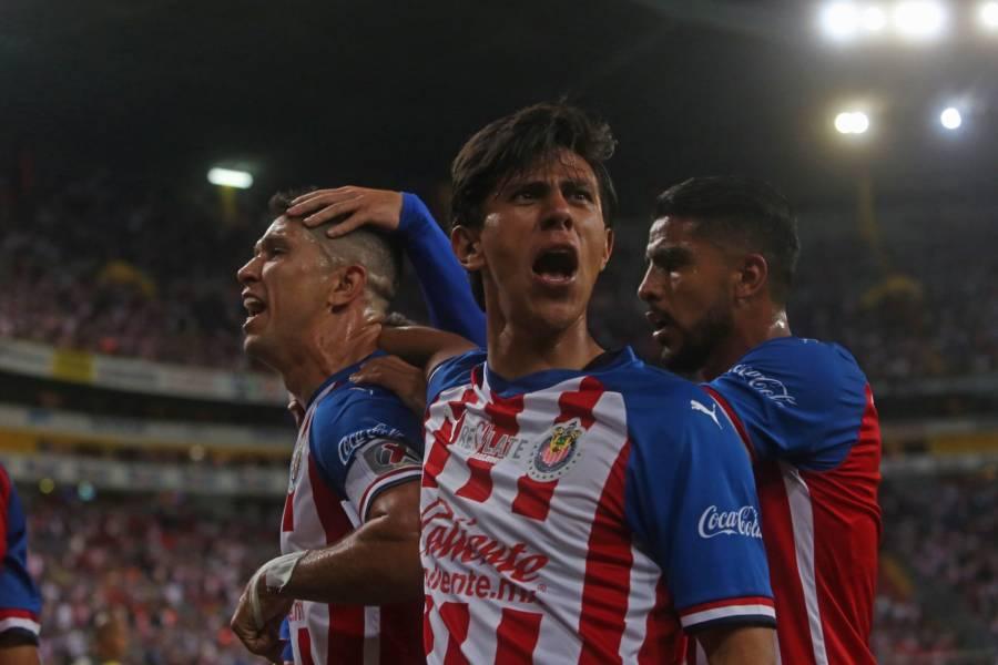 Chivas reporta tres casos positivos de Covid-19 en jugadores y staff
