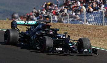 Lewis Hamilton se lleva la pole en GP Portugal y Checo Pérez es quinto