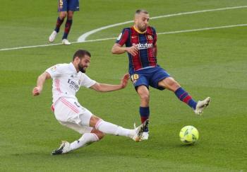 Real Madrid hunde al Barcelona en el clásico español