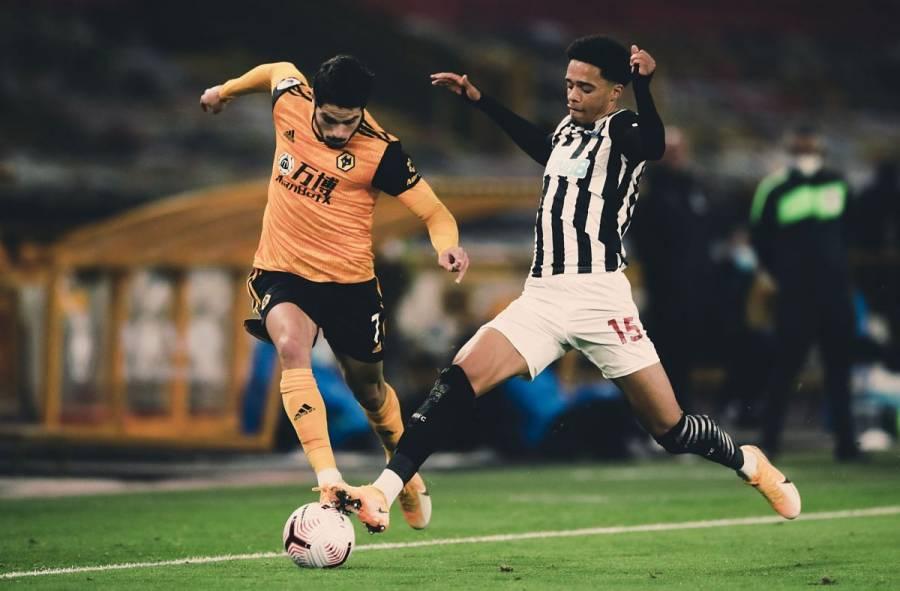 Raúl Jiménez anota impresionante golazo contra el Newcastle [Video]