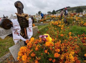 Conoce los estados que cerrarán sus panteones en Día de Muertos por Covid-19