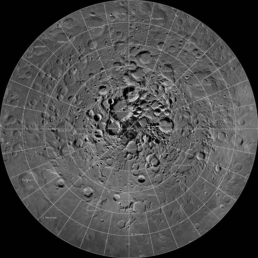 En la Luna abunda el agua, pero  no hay una gota para beber