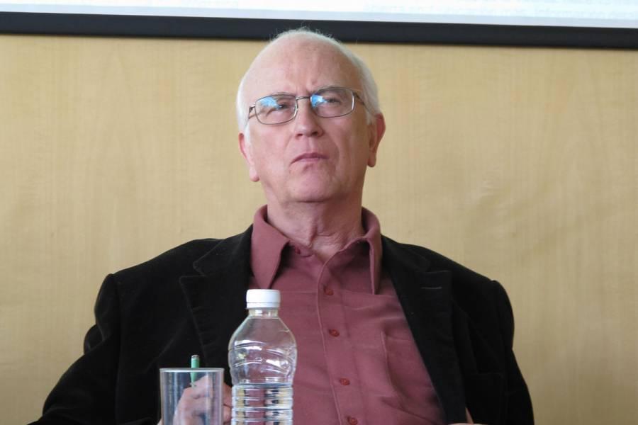 De marxista pasó al conservadurismo, opina AMLO sobre Roger Bartra