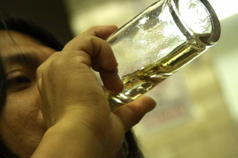 Incrementa 250% el consumo de alcohol en jóvenes mexicanos durante confinamiento