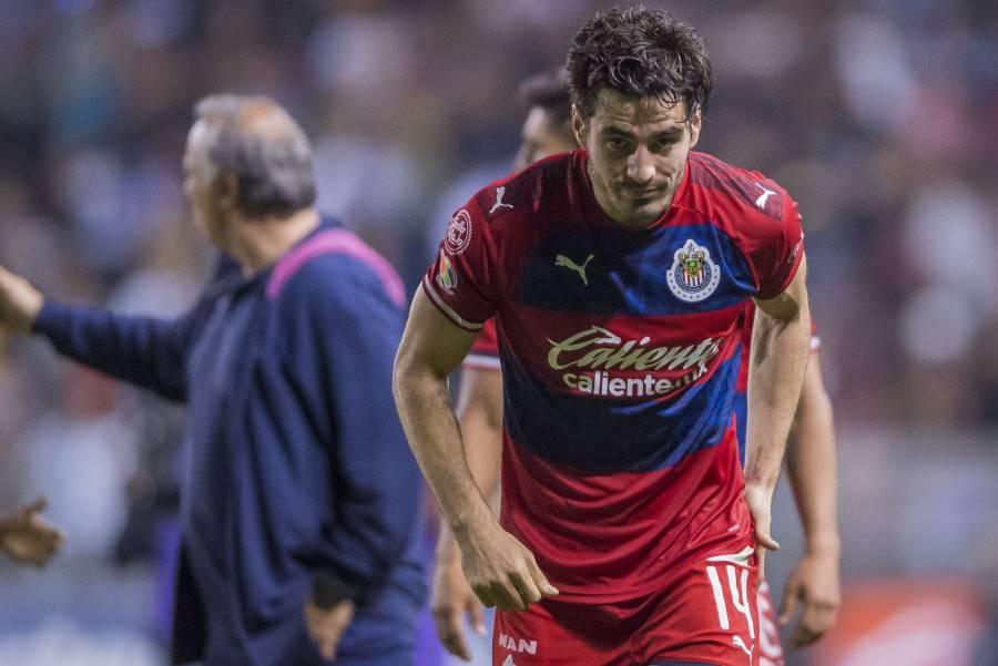 Antonio Briseño de Chivas, positivo a COVID-19