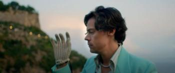 """Harry Styles lanza el nuevo videoclip del sencillo """"Golden"""""""