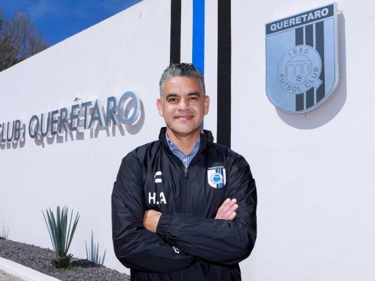 """Héctor """"Pity"""" Altamirano, nuevo DT del Querétaro"""
