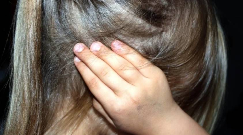 En Jalisco, una mujer permitió que su pareja violara a su hija de 10 años para tener un bebé