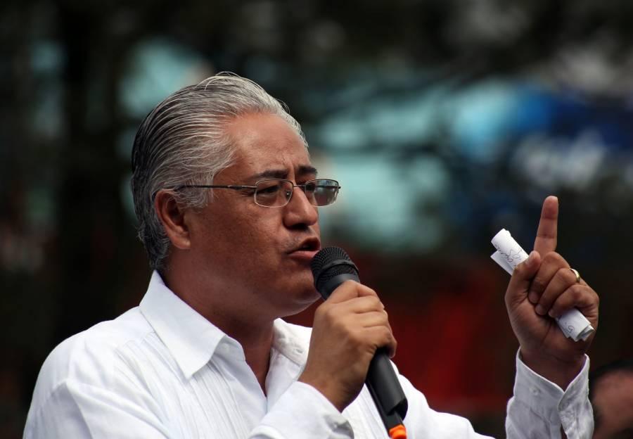 Exrector de la UAEM, obtiene suspensión provisional para evitar detención