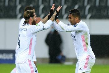 Real Madrid empata de último minuto y el Bayern supera al Lokomotiv