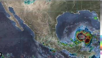 Zeta se debilitó a tormenta tropical en las inmediaciones de Progreso, Yucatán