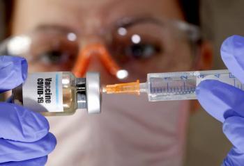Advierten que no habrá suficientes vacunas contra COVID-19 en Europa hasta 2022