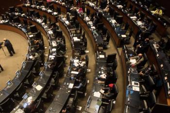 Monreal confirma 22 casos de COVID-19 en el Senado
