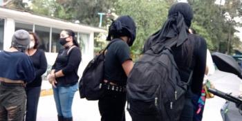 Autoridades del CCH Oriente esperan establecer dialogo con grupo hostil que intento tomar instalaciones