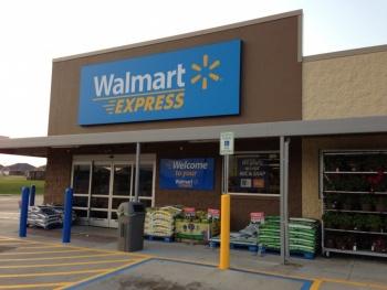 Walmart lanza formato Express y cerrará Superama