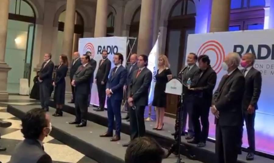 Jesús Ramírez toma protesta a nuevo consejo de la ARVM