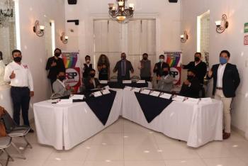 """Redes Sociales Progresistas presentan """"Plan Arcoiris"""" para ganar voto de comunidad LGBTTI+"""