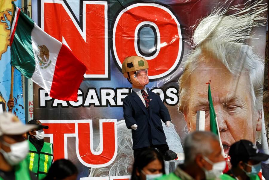 En Tijuana, queman piñata de Trump por sus políticas migratorias