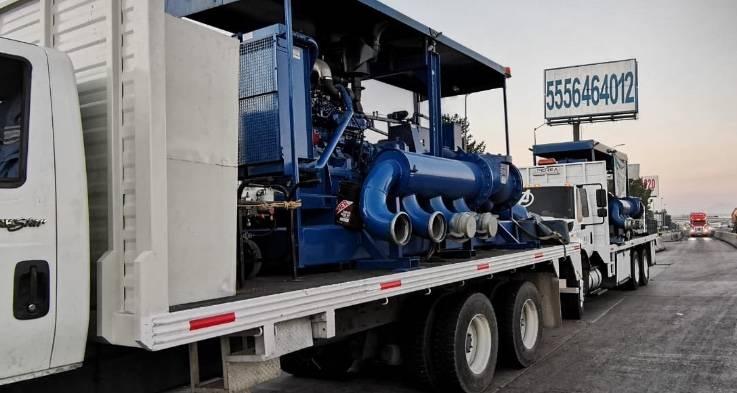 GobCDMX envía maquinaria a Tabasco para apoyar en desazolve por inundaciones