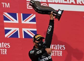 """Hamilton se corona en el GP de Imola; """"Checo"""" Pérez finaliza sexto"""