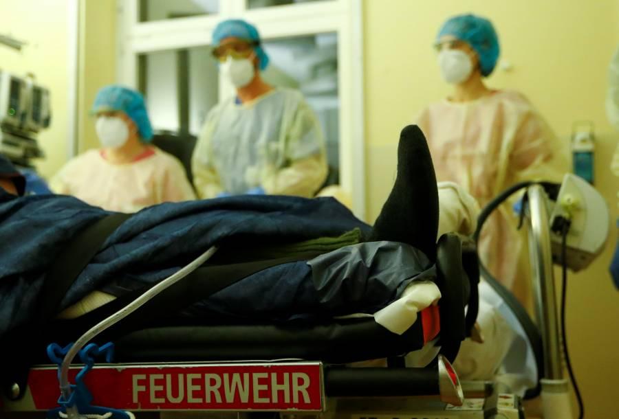 Hospitalizaciones por Covid alcanzan tope en 14 países europeos