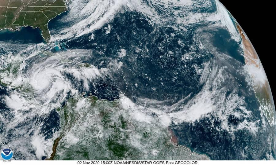 Huracán Eta se fortalece a categoría 3 mientras se dirige hacia Nicaragua