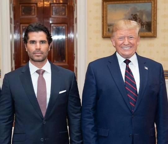"""Eduardo Verástegui llama a la comunidad latina votar por Trump; """"es pro vida"""", dice"""