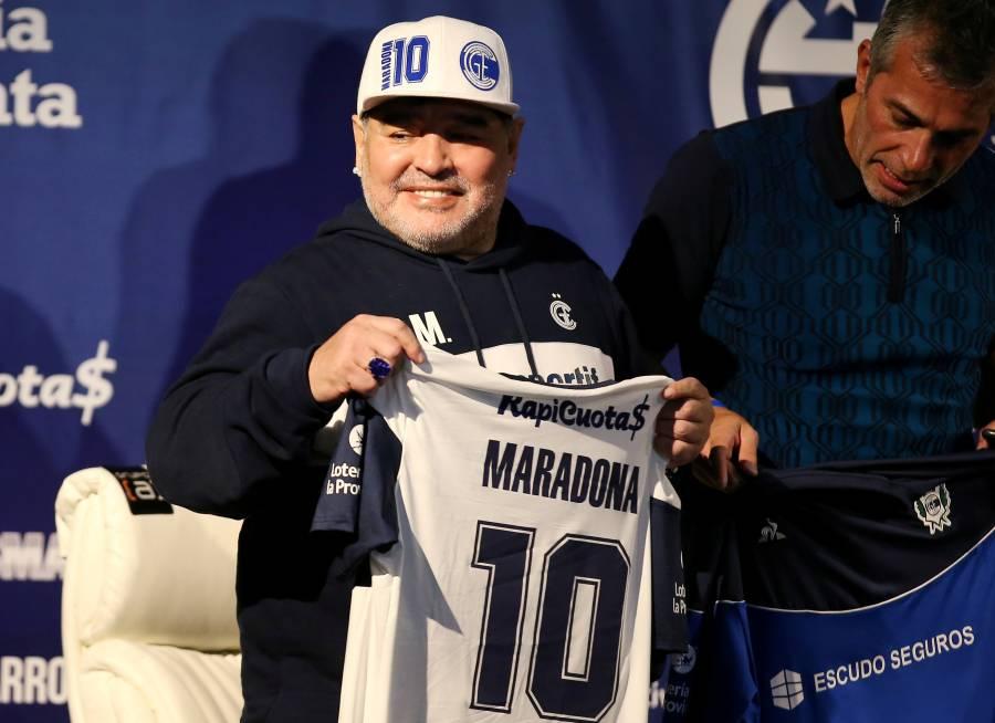 Maradona será intervenido de urgencia por un coágulo en el cerebro