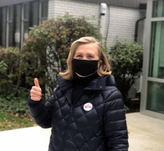 Hillary Clinton también ya votó