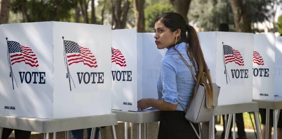 En Florida latinos que simpatizan con Donald Trump se movilizaron contra el comunismo