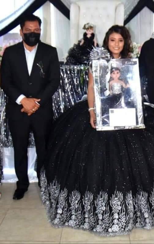 Celebra diputado por Morena en Veracruz XV años de su hija con 100 personas