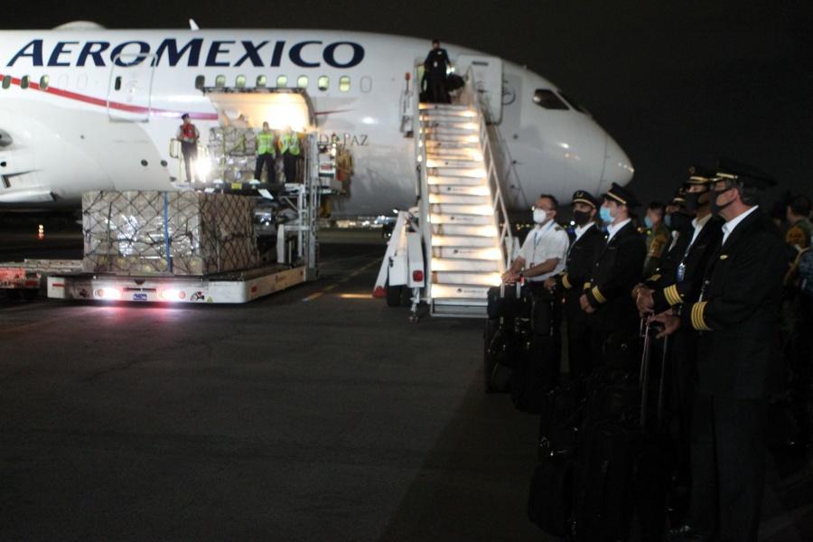 Aeroméxico solicita a EU poder despedir a 1,830 empleados