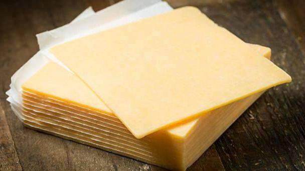 Profeco detecta irregularidades en quesos amarillos; únicamente siete cumplen especificaciones