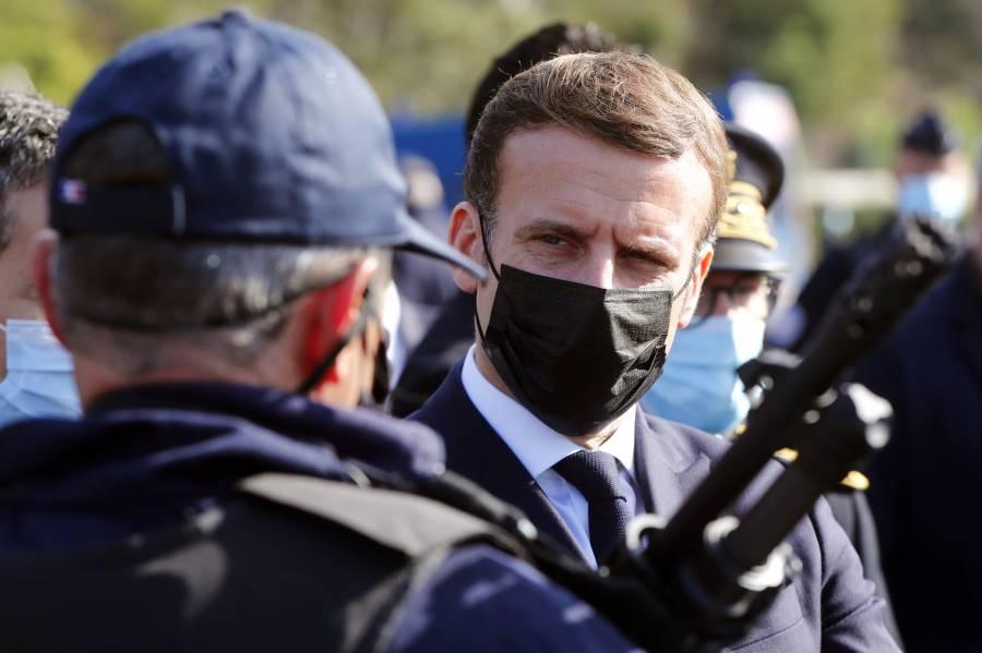 Macron insta a fortalecer los controles fronterizos tras ataques terroristas