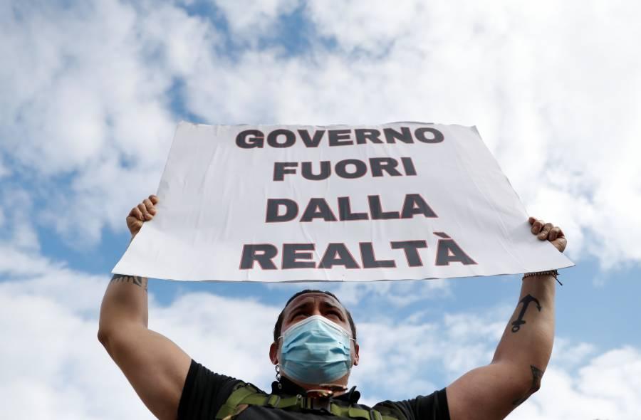 """Italia regresa en """"zonas rojas"""" al plan  de aislamiento que tenía en marzo"""