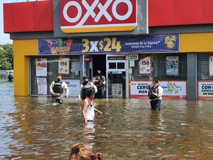 Realizan saqueos en tiendas y supermercados en Villahermosa, Tabasco