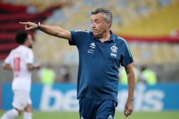 Luego de tres meses como DT, Flamengo despide a Torrent
