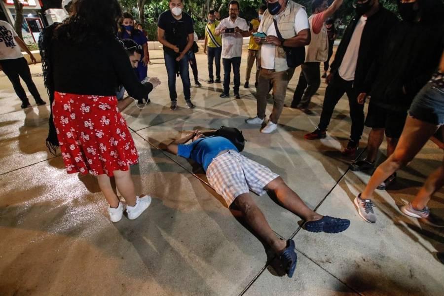 Policías de Cancún dispersa a balazos a manifestantes