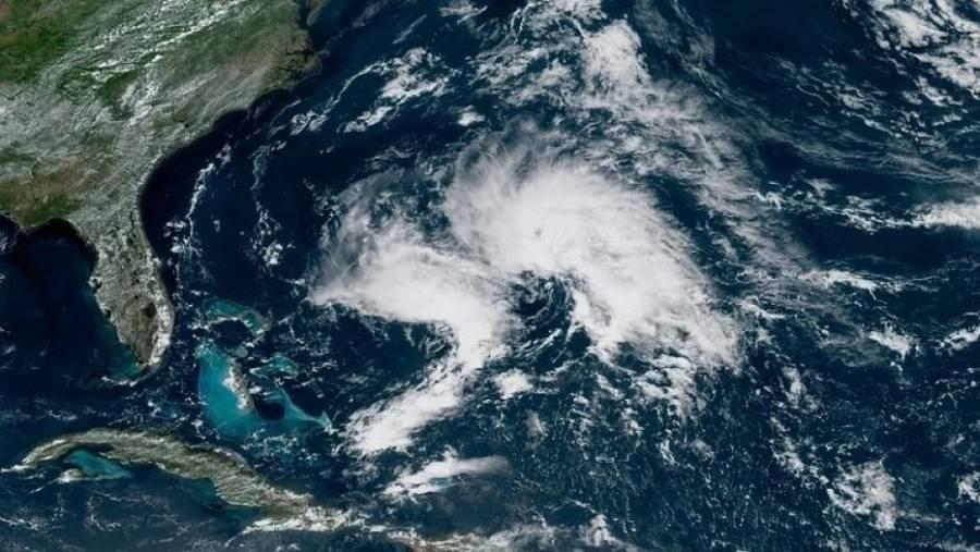 Tormenta ''Theta'' se forma en el Atlántico y rompe récord de temporada