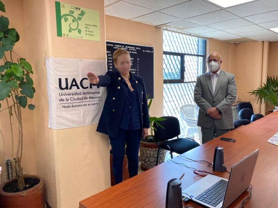 UACM realiza titulaciones a distancia a presos en la CDMX