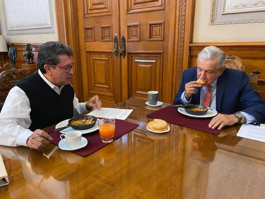 Dialogan sobre iniciativas de ley AMLO y Ricardo Monreal
