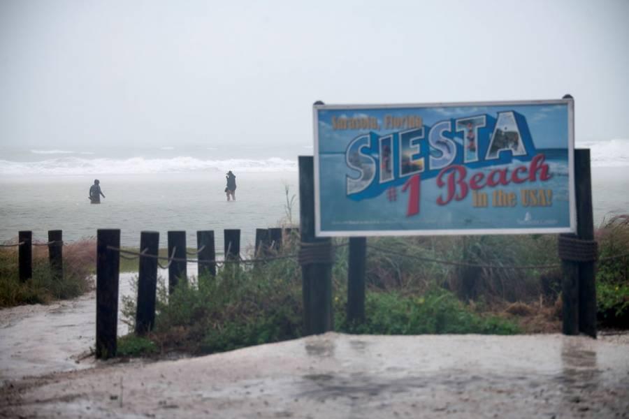 La tormenta tropical Eta toca tierra en Florida rumbo al Atlántico