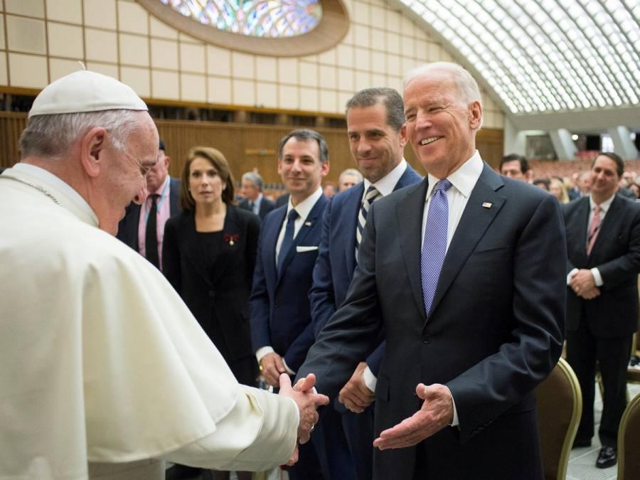 Papa Francisco felicita por teléfono a Joe Biden por su virtual victoria presidencial