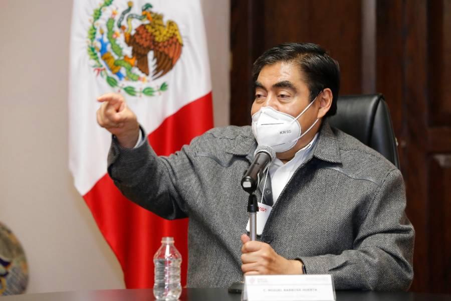Alianza PRI-PAN-PRD y Sí por México, un esfuerzo retorcido: Barbosa