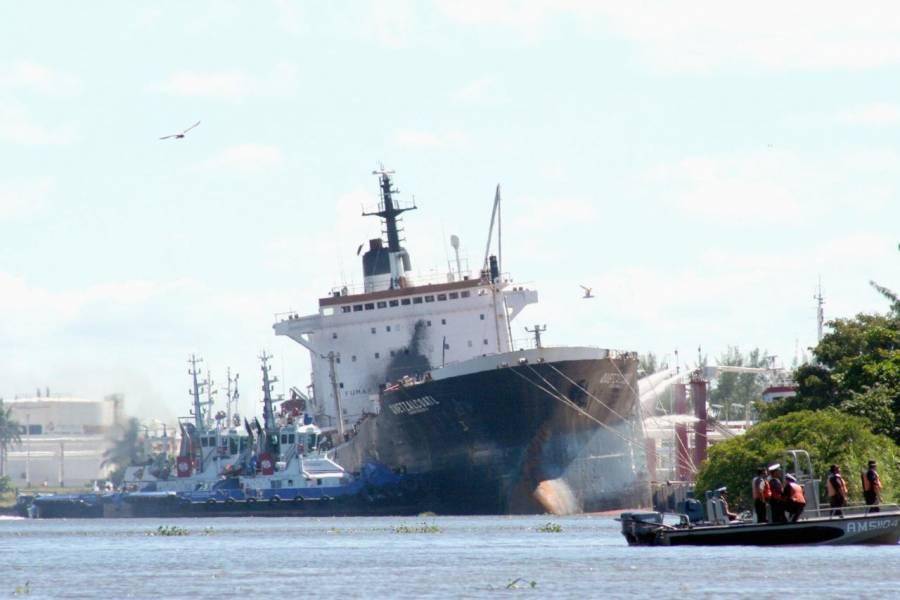 """Panistas brindaron barcos de Pemex para traficar drogas con """"El Mayo"""": Anabel Hernández"""