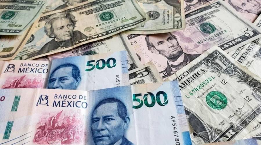 Peso cede terreno en espera de anuncio de política monetaria de Banxico