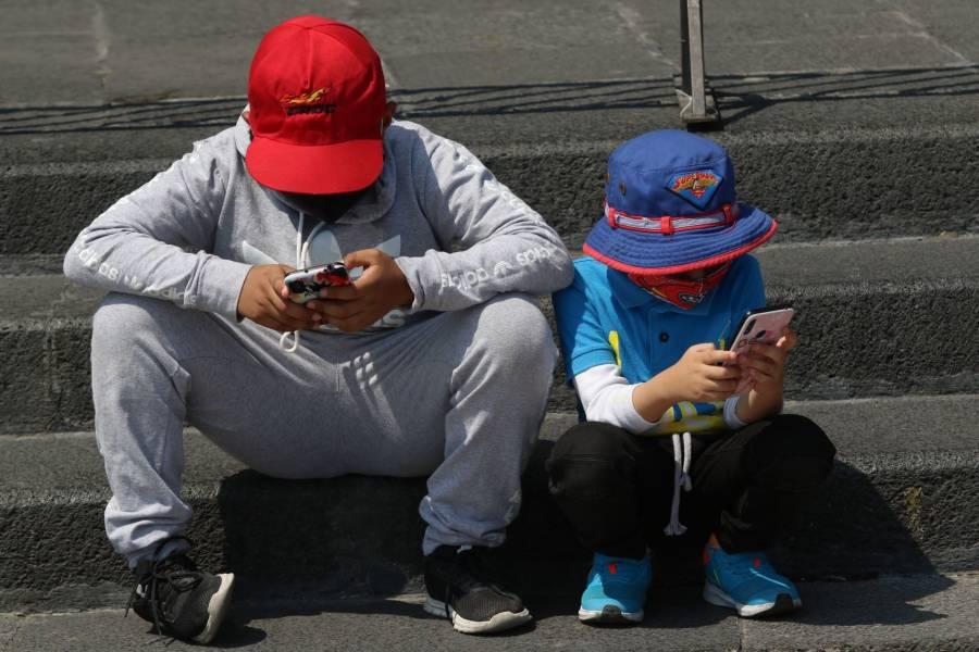 Senador propone establecer edad mínima para el uso de redes sociales