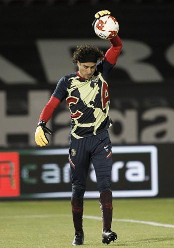 Ochoa no será titular ante Corea del Sur