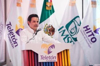 IMSS y Teletón firman convenio para atención de niños con cáncer